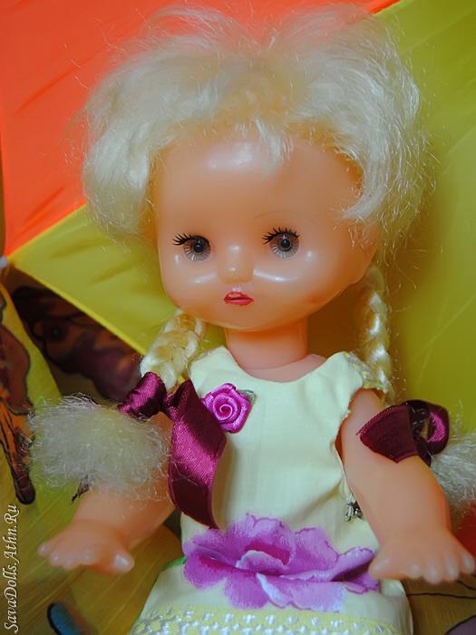 100717_ussr_girls_dress_01